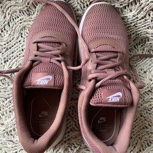• Nike sneakers •